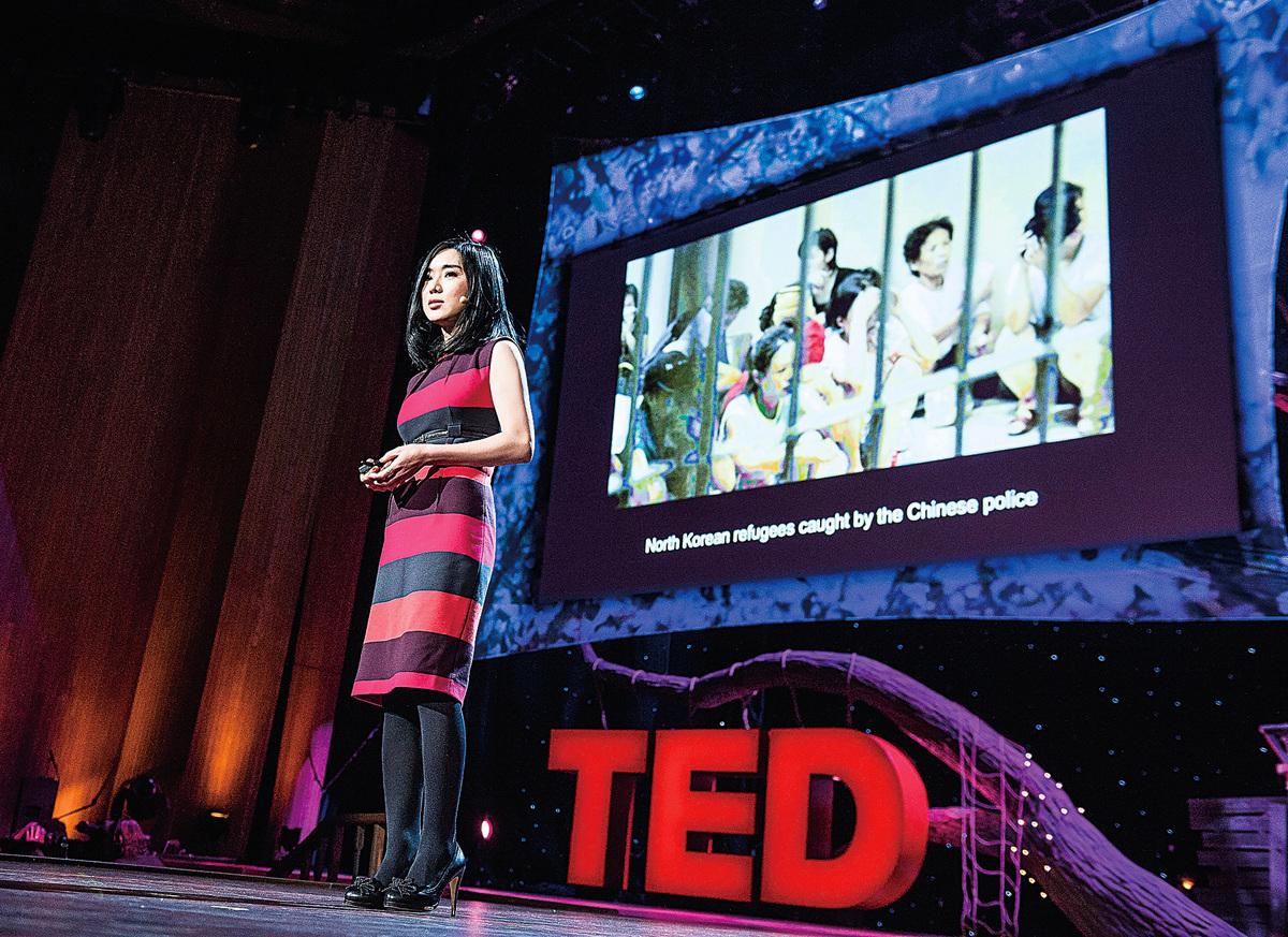 本文作者李晛瑞在2013年2月13日於美國加州長灘市TED大會中演講。(NOMAN Studio)