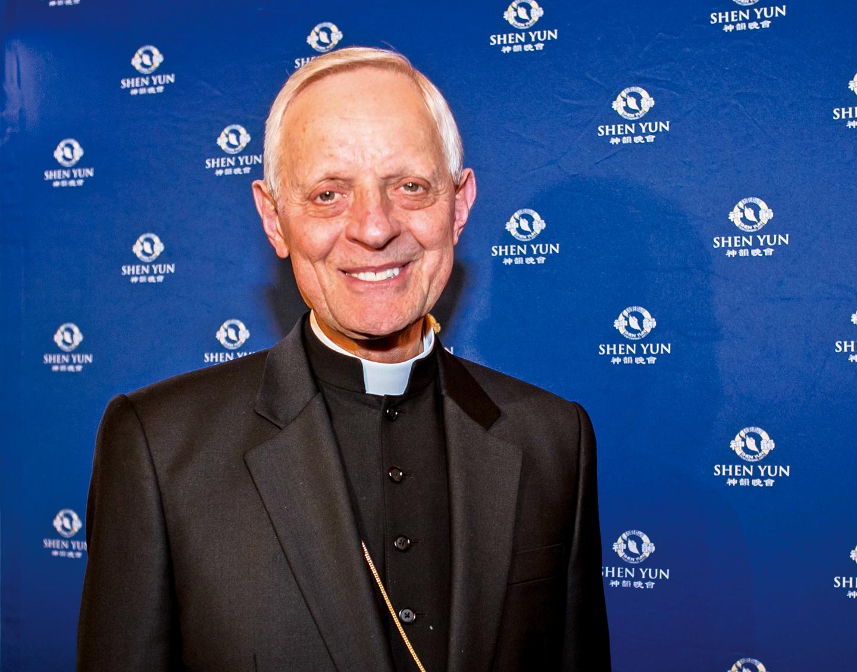 著名的天主教堂美國紅衣主教及華盛頓大主教烏爾(Donald William Wuerl)讚歎神韻觸動了人們那美好的精神。(大紀元資料室)
