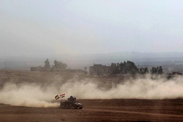 伊拉克政府軍持續在摩蘇爾市進逼伊斯蘭國(IS)。(AHMAD AL-RUBAYE/AFP/Getty Images)