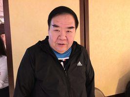 兩屆金像獎影帝鄭則士 簽名支持神韻來香港
