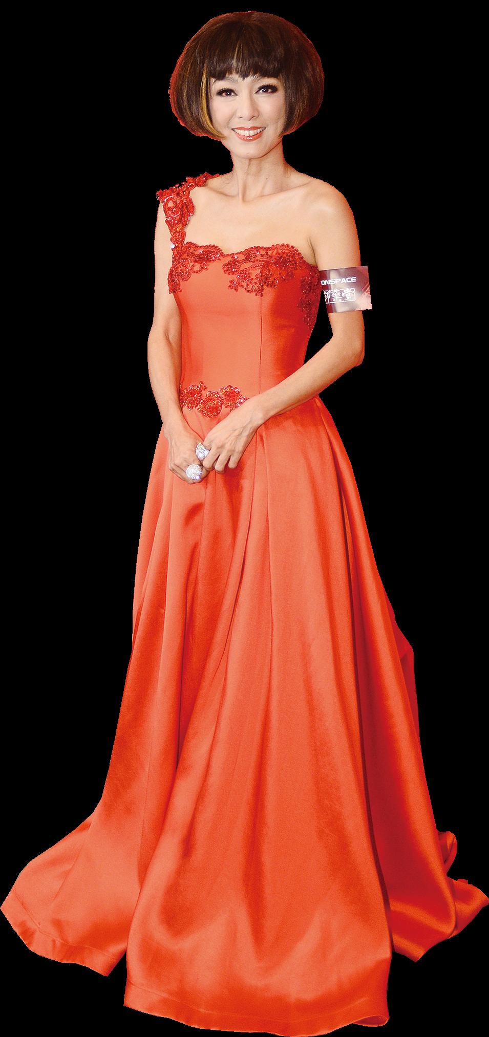 米雪身穿紅色拖地禮服靚得像新娘。(宋祥龍/大紀元)