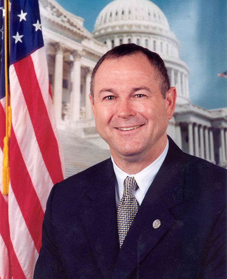 美國國會議員達納.羅拉巴克(Dana Rohrabacher)。(公有領域)