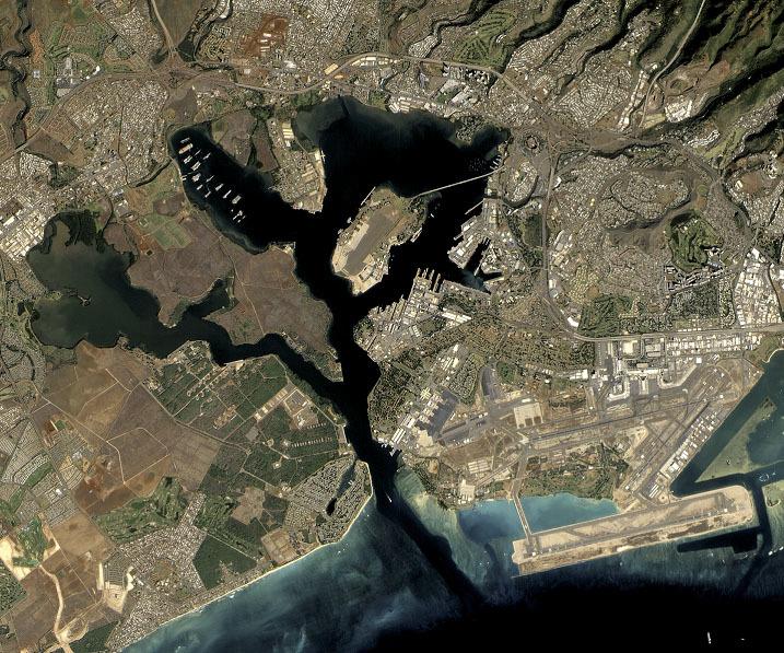 美國夏威夷珍珠港衛星俯瞰圖。(NASA/維基公有領域)