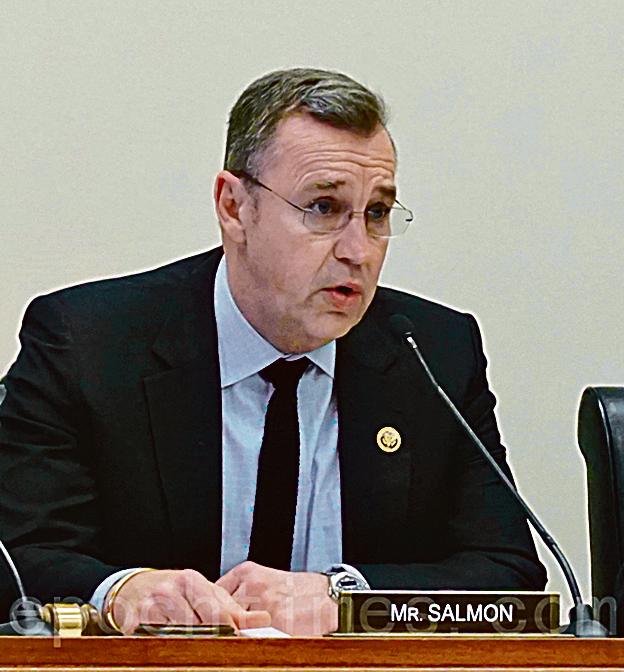 美國會外交委員會亞太小組主席邵建隆(Matt Salmon)主持聽證會。(林帆/大紀元)