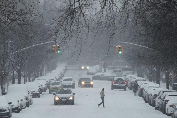 美周末冰天雪地 交通事故致多人死亡
