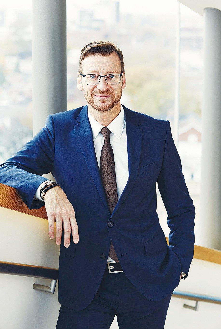 Wolfgang Hoffmann主要負責開發經銷商網絡,維護Jaguar Land Rover品牌形象,打造全球汽車工程與設計頂級典範,並保持不斷為市場推出頂級汽車品牌設計的能力。(網絡圖片)