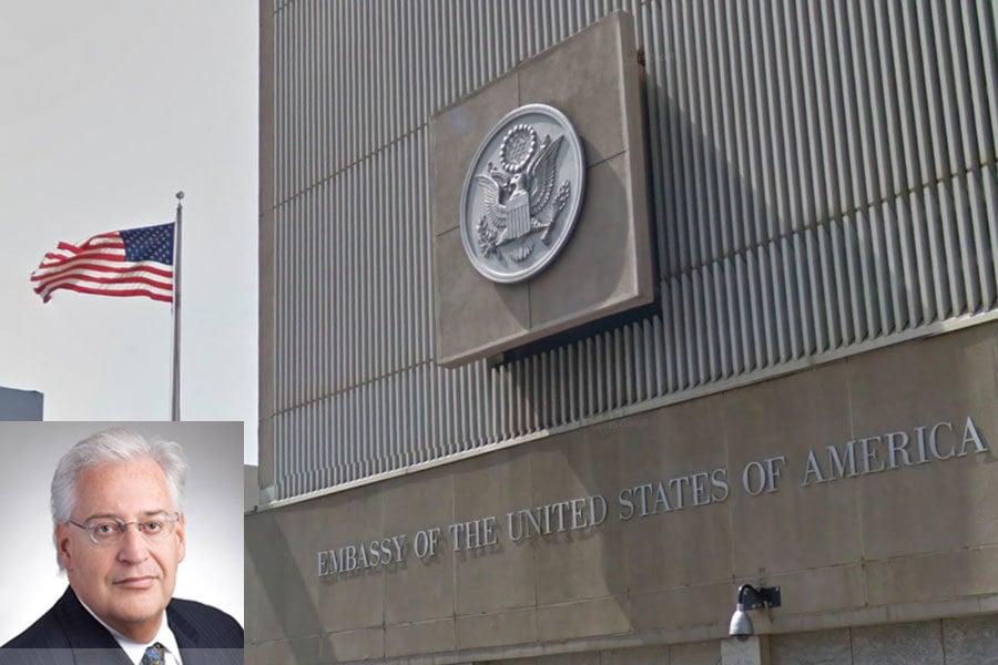 美國候任總統特朗普提名他的律師好友大衛・弗里德曼(David Friedman)出任美國駐以色列大使,引發各界熱議是否會改變中東局勢。圖為以色列特拉維夫美國大使館。小圖為弗里德曼。(Google街景圖)