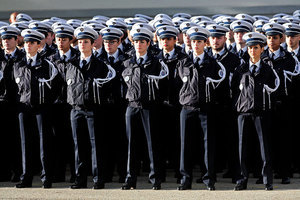 恐襲威脅嚴重 法國警察受重視度猛漲16點