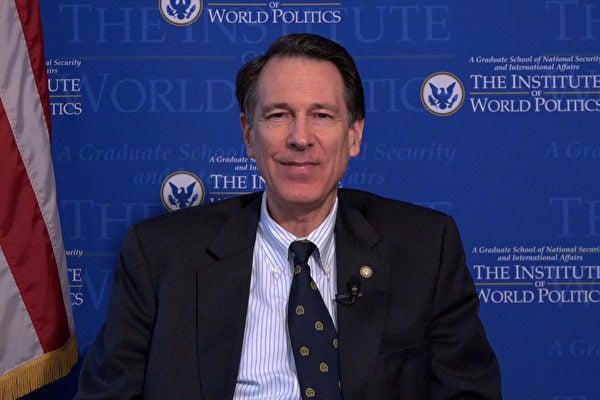 美國政治研究所總裁蘭澤斯基博士支持神韻赴港演出。(林帆/大紀元)
