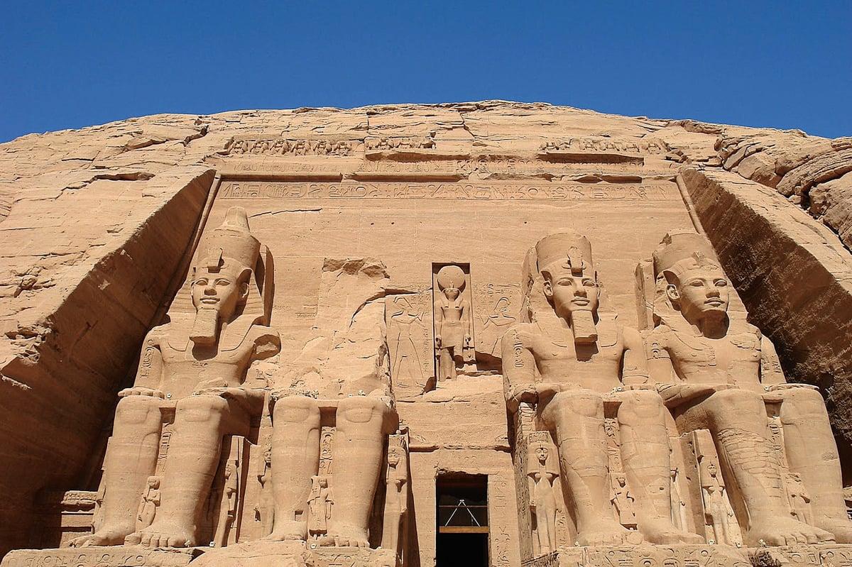 埃及阿布辛貝神殿外觀。(網絡圖片)