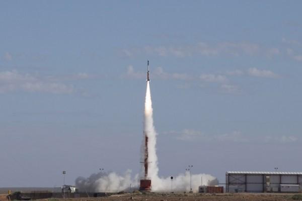 5月18日,美國、澳洲研究人員宣佈新超音速飛機測試成功。澳洲國防部宣佈,在澳洲武麥拉測試場,測試飛機達到了278千米的飛行高度和7.5馬赫的速度。(AFP PHOTO/ADF/CPL Bill Solomou)
