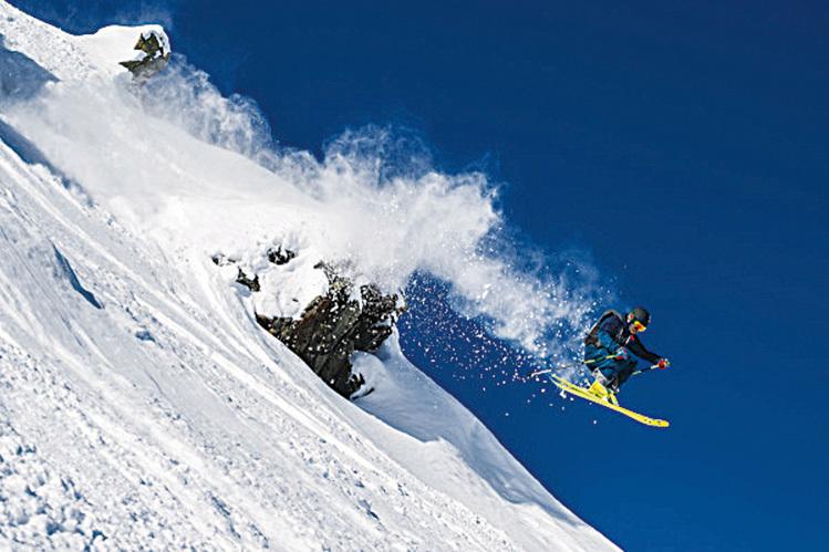 滑雪、越野滑雪、滑雪橇、攀冰以及滑雪漫遊等,這裏有各種難易等級的滑雪項目供人們選擇,讓人們自由自在地在大自然的懷抱裏盡情玩耍。(因斯布魯克旅遊局提供)
