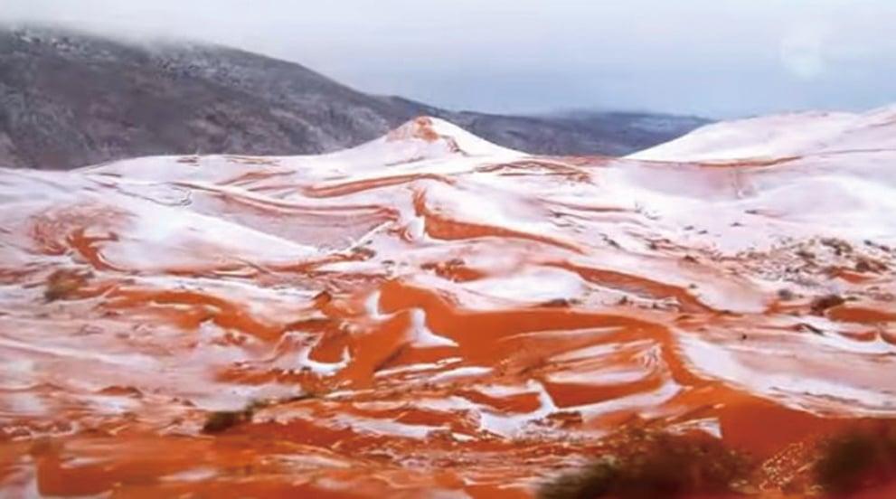 時隔37年,全球最熱、世界第三大荒漠的撒哈拉沙漠在聖誕節前夕下雪了!(視頻擷圖)