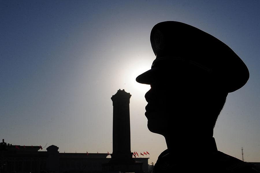 習近平日前簽署命令發佈新修訂的《軍隊審計條例》,部署以審計方式清洗軍中江派勢力。(AFP PHOTO/Frederic J. BROWN)