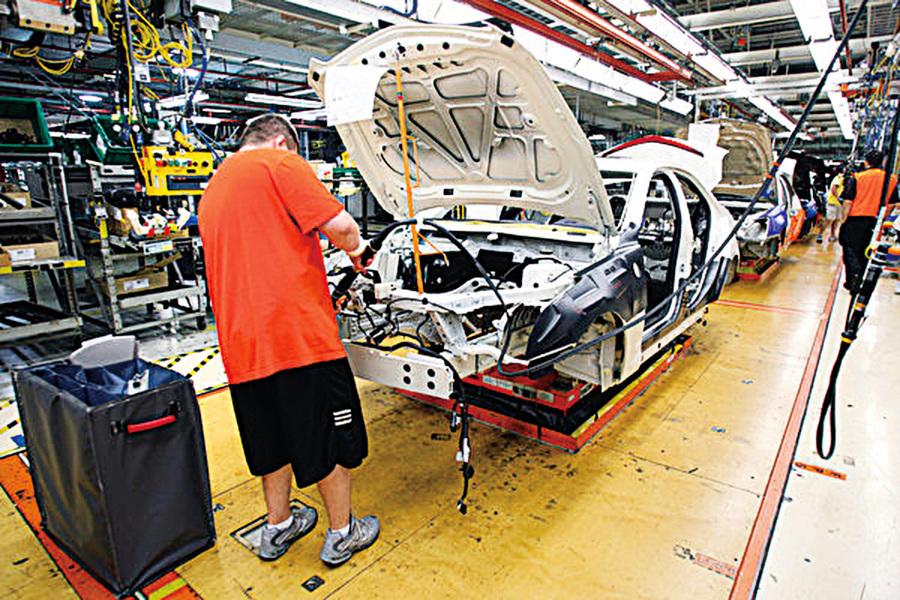 汽車庫存量大底特律車廠減產壓力大增