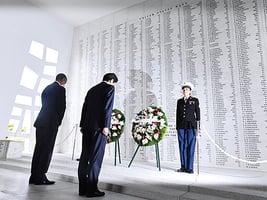 訪珍珠港紀念館 安倍:不再發動戰爭
