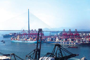 中共前日公佈1月外貿數據,大陸自香港進口金額在整體進口大跌18.8%情況下,卻急增108%,引起虛假貿易和走資的質疑。(Getty Images)