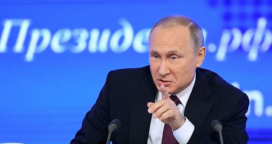 普京30日表示,俄不會驅逐美外交官,且會在特朗普就任美國總統後修復美俄關係。普京同時祝福特朗普、奧巴馬及美國人民新年快樂。(NATALIA KOLESNIKOVA/AFP/Getty Images)