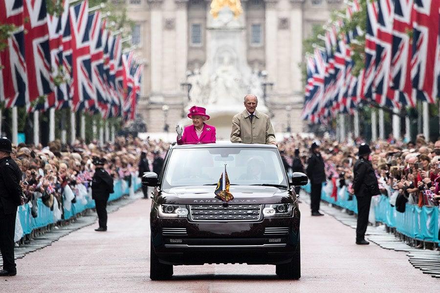 英女皇重感冒未癒 罕見缺席新年禮拜