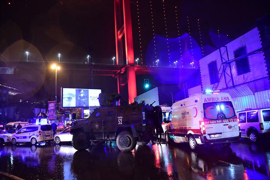 2017年1月1日凌晨,土耳其伊斯坦堡一家夜總會發生襲擊事件,造成至少39人死亡,69人受傷。(YASIN AKGUL/AFP/Getty Images)