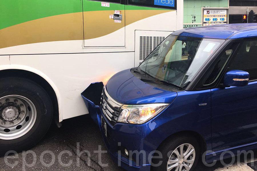旺角亞皆老街洗衣街兩車相撞 現場大塞車