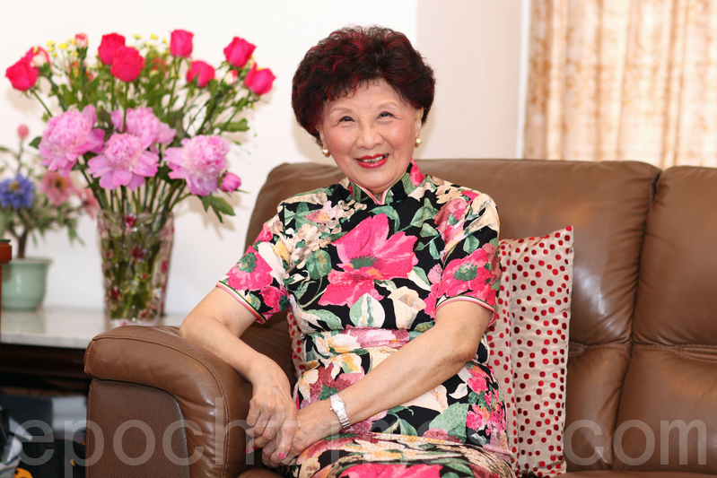 女高音歌唱家費明儀被推崇為中港兩地聲樂界先驅。圖為費明儀女士在2011年接受本報訪問時留影。(潘在殊/大紀元)