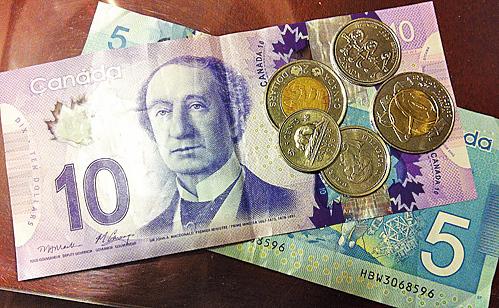 有半數年屆退休的加拿大人沒有存夠養老金難享老來福。(喬亓/大紀元)