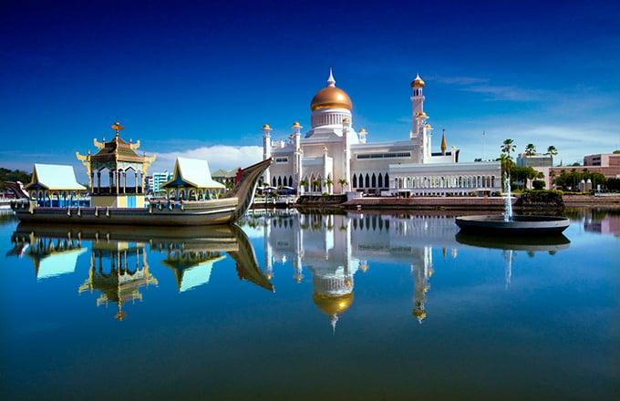 奧瑪爾.阿里.賽福鼎(Omar Ali Saifuddien Mosque)清真寺。