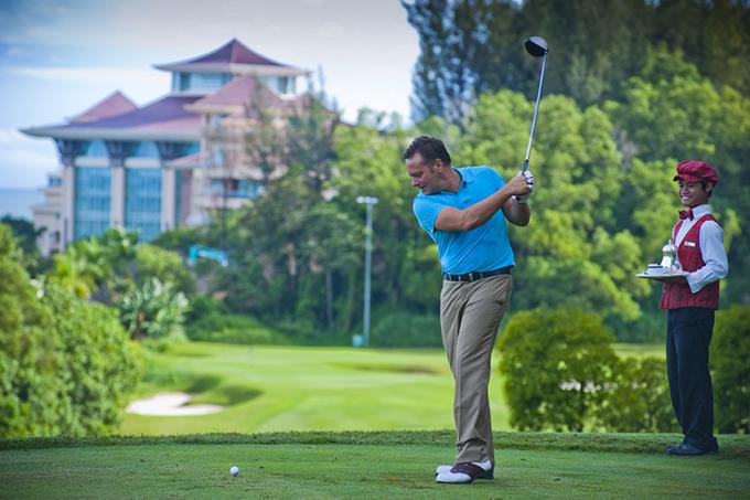 高爾夫名設計師Jack Nicklaus設計,座落在帝國酒店及渡假村的18洞高爾夫錦標賽場地。