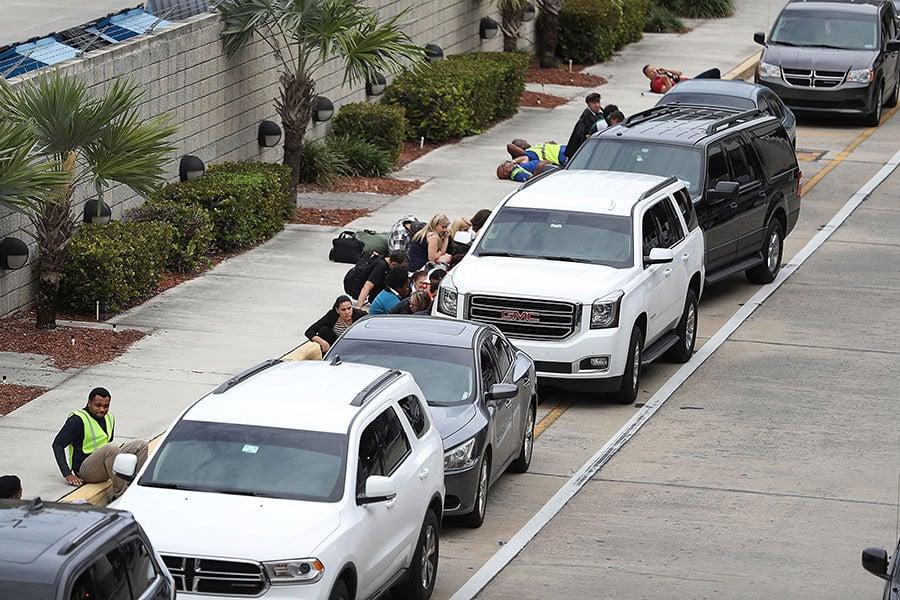 周五(1月6日)下午,美國佛州的勞德代爾堡機場發生槍擊事件,造成至少5人死亡,多人受傷。(Joe Raedle/Getty Images)