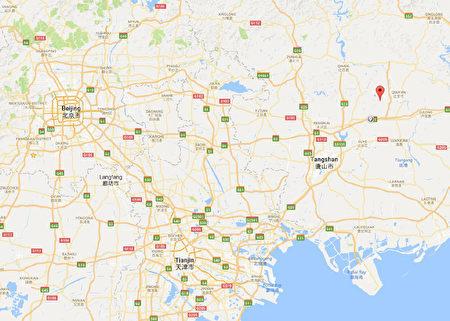 北京往東200公里的河北省遷安市松汀村,因為工業污染從地圖上消失了。諷刺的是,松汀村一年四季「毒氣重重」,但該地區竟被官方樹立為「國家級生態示範區」。(網絡圖片)