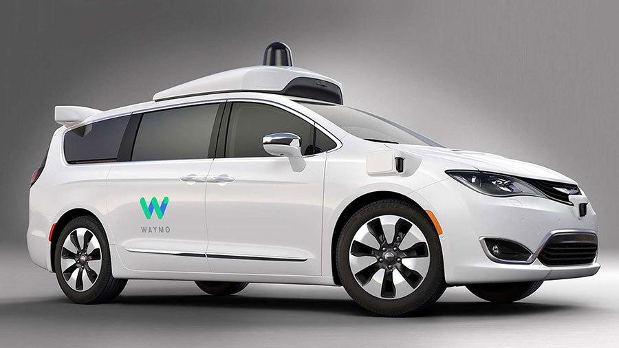谷歌旗下新創自動駕駛子公司Waymo與克萊斯勒共同合作開發的自動駕駛Chrysler Pacifica Hybrid將於2017年1月底在加州山景城和亞利桑那州的鳳凰城上路。(Waymo)