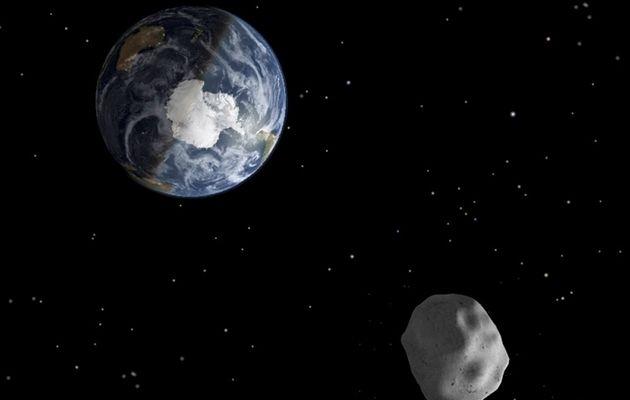 模擬圖:小行星掠過地球。(NASA)