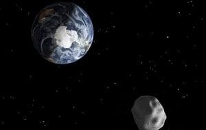 小行星再次掠過地球 幸運!我們仍安然無恙