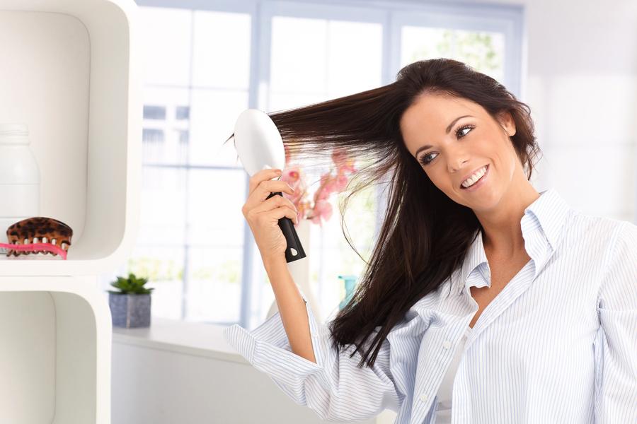 梳頭養生 白髮變黑髮就這麼簡單