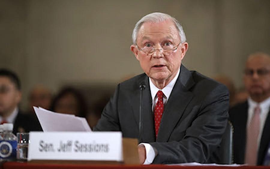 美國參議院10日起將舉行一系列聽證會,確認候選總統特朗普(川普)對內閣人選的提名。首先接受質詢的是司法部長提名人塞申斯(Jeff Sessions)受到了一番嚴厲的拷問。(Chip Somodevilla/Getty Images)