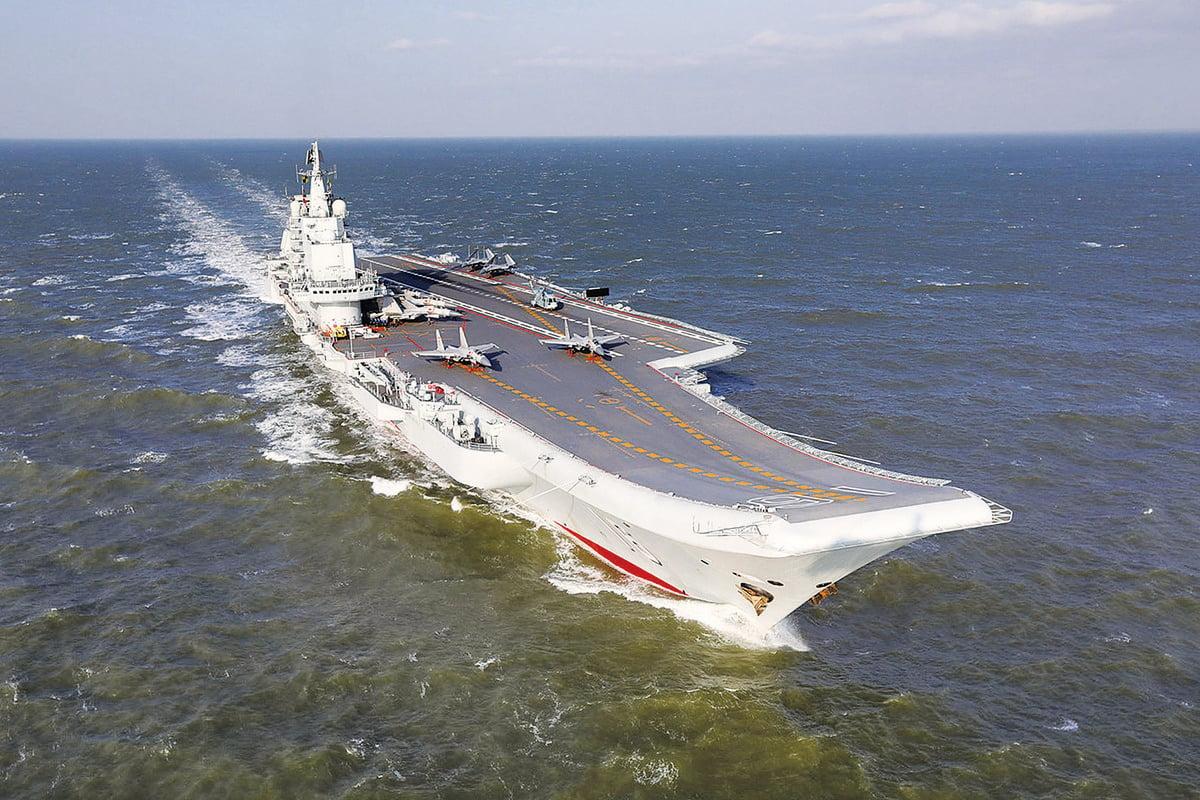 台灣國防部11日早上發出通告指,中共海軍遼寧艦經台灣海峽中線以西返航。(中央社)