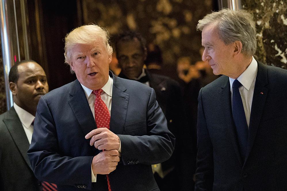 媒體報道稱俄羅斯握有不利於特朗普的資料,特朗普(左)反擊,稱這是「未經證實」的假新聞。(Getty Images)