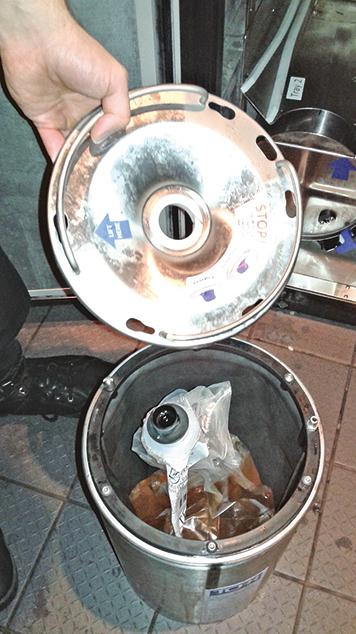 Earls所選用的「Bag Wine System」袋裝杯酒系統,是一個科學設計的存酒容器。