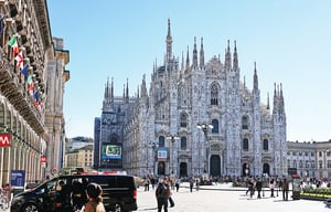 意大利米蘭 經典時尚圍繞教堂展開