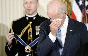 奧巴馬突授自由勳章 拜登感動落淚