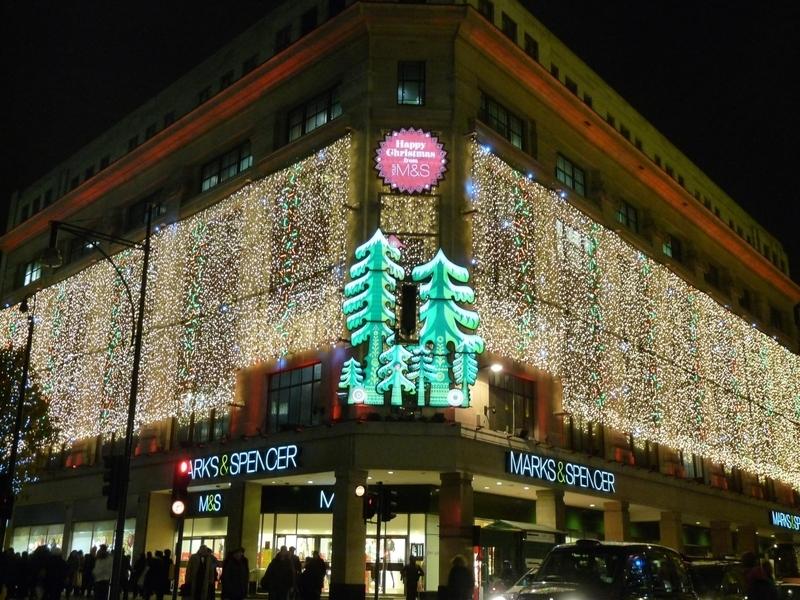 英國知名的連鎖百貨公司馬莎(Marks & Spencer)在倫敦市中心牛津街上的旗艦店。(中央社)