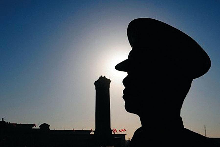 據報,在中共公安內部會議傳達習近平關於陰謀家的講話時,一警官打斷高層講話,高喊「反黨陰謀份子就在現在中央高層內部」,驚動全場。(Photos.com)