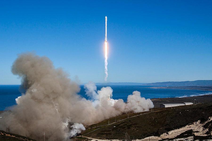 去年爆炸後 「獵鷹九號」重新發射成功並回收