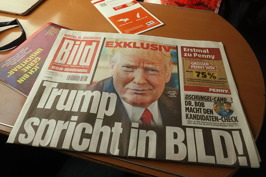 1月16日,德國發行量第一的媒體《圖片報》發表了對美國新總統特朗普的獨家採訪,德國的奔馳(平治)、寶馬、日本的本田車被特朗普點名。(Sean Gallup/Getty Images)