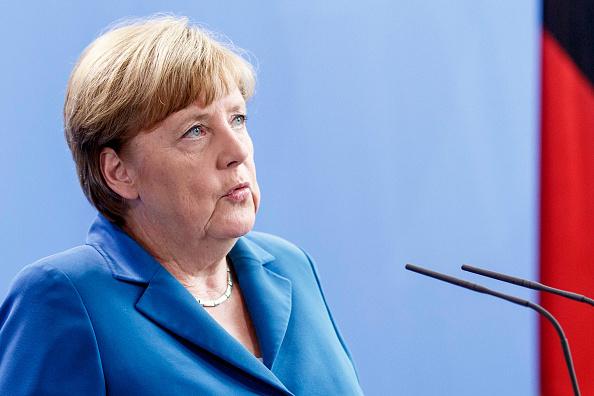默克爾16日回應特朗普(特朗普)說,「歐洲人的命運掌握在我們自己手裏。」(Carsten Koall/Getty Images)