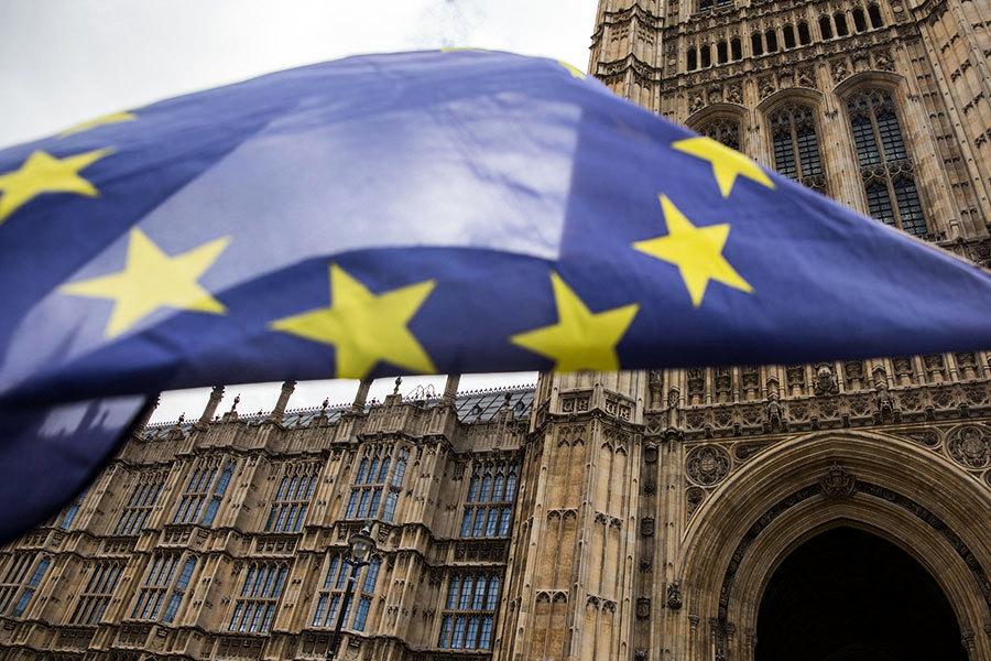 英國宣佈脫歐計劃 英鎊上揚