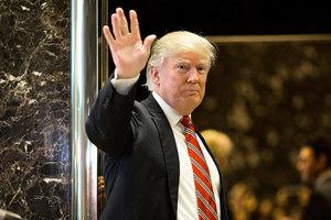 特朗普提減核換貿易 俄外長:期盼與美對話