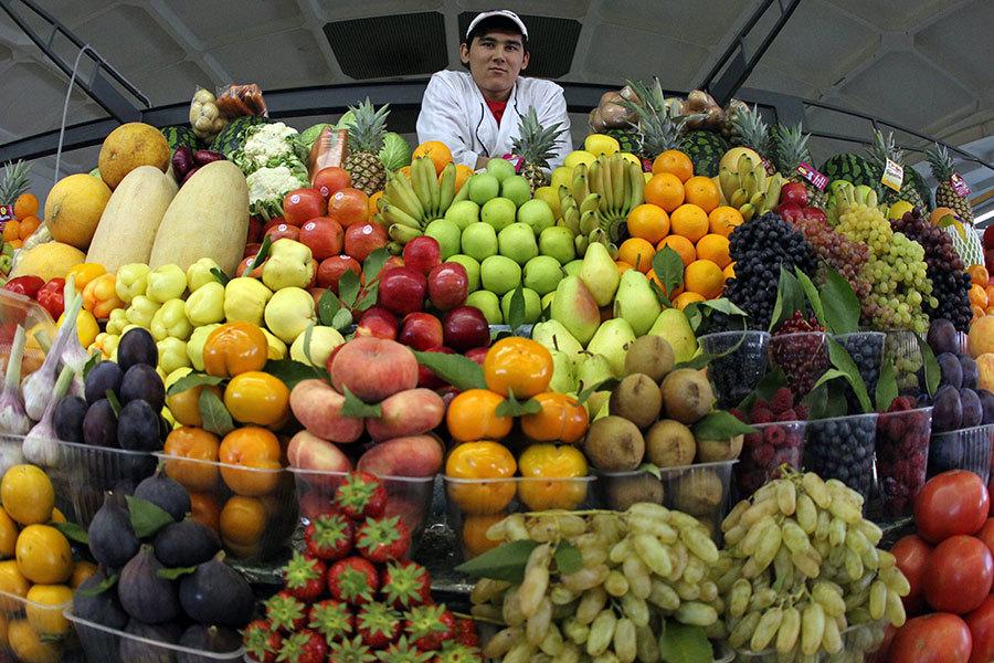 俄羅斯的水果販。(Alexey SAZONOV/AFP/Getty Images)