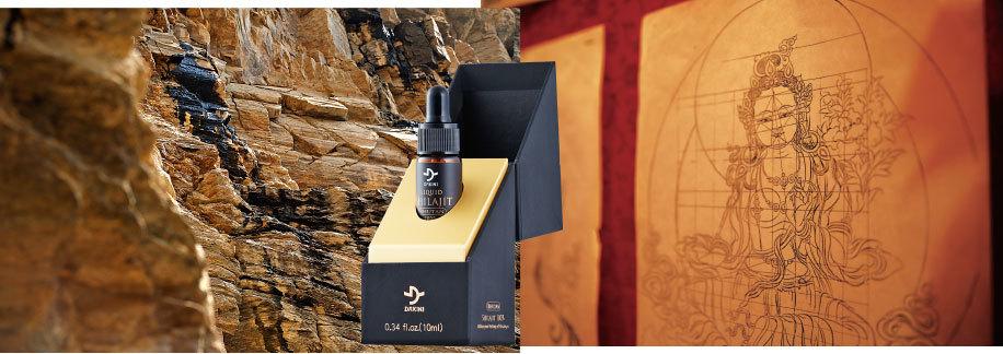 不丹喜來芝採集於4,500公尺高的喜馬拉雅山脈南麓,是由高聳峭壁的岩層夾縫中所滲出的珍貴黑色脂狀物,富含富里酸、硒、85種微量元素礦物質,是頂級養生、抗老還春的稀世珍寶!